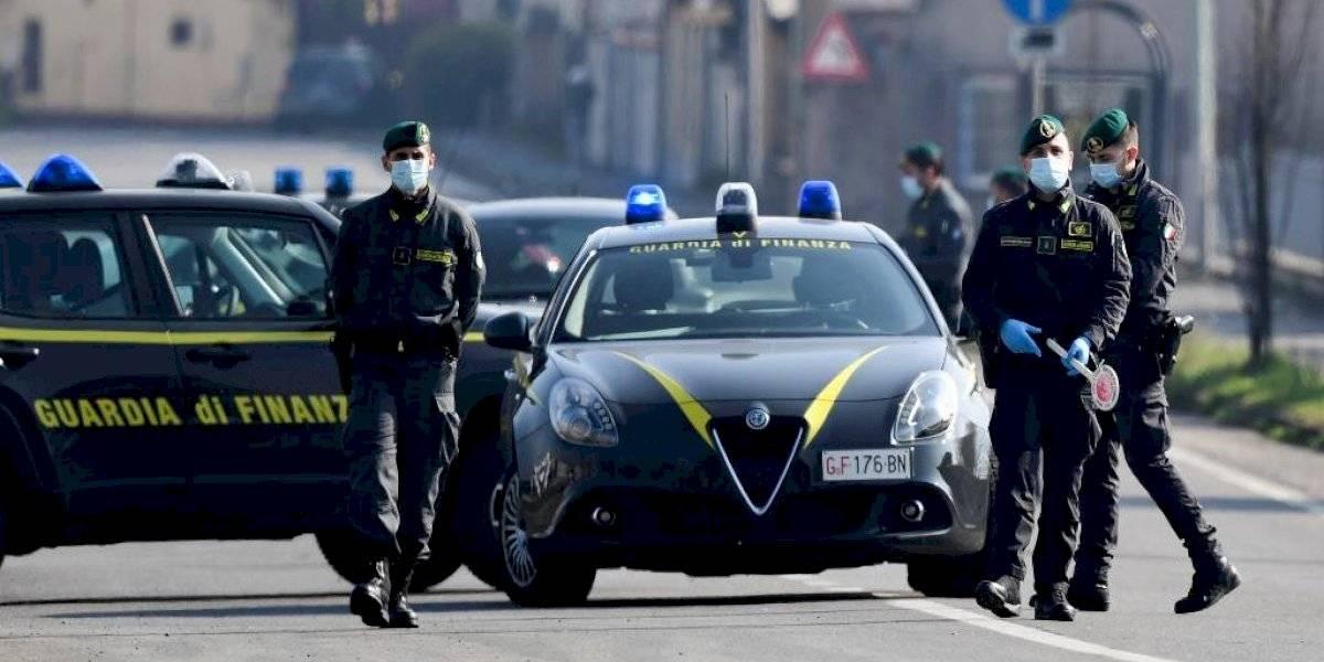 """Alguien anda por las calles esparciendo coronavirus: desesperada búsqueda del """"paciente cero"""" en Italia"""