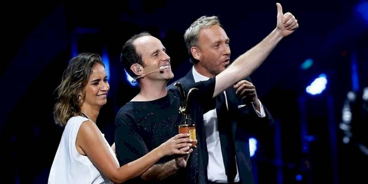 Stefan Kramer y su esposa imitan icónico momento de los Oscars tras presentación en Viña 2020