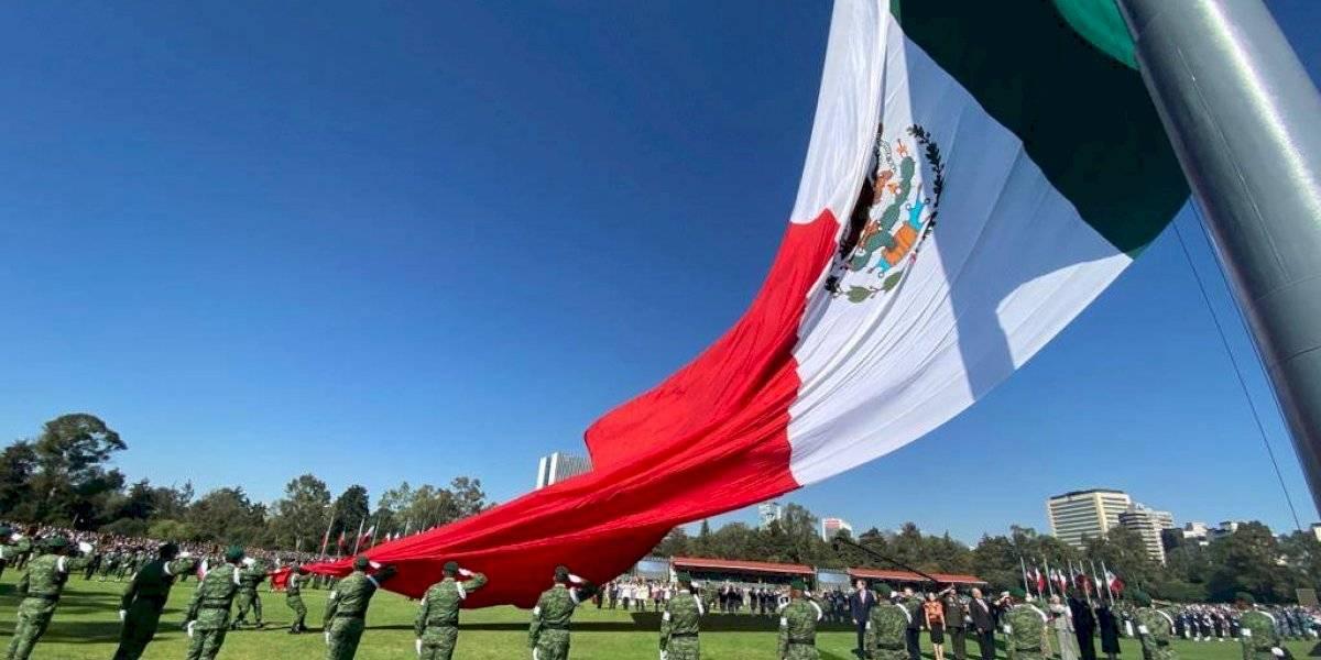 Las hijas de México necesitamos que nuestra bandera nos cobije: Laura Rojas