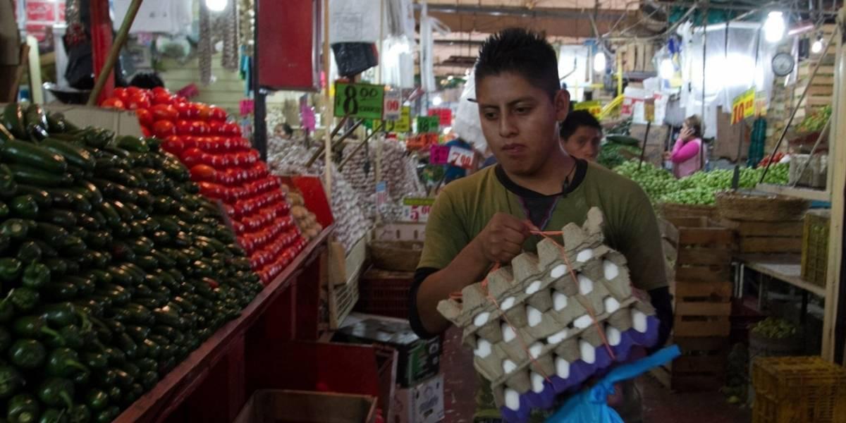 Tomate, huevo y plátanos se encarecen y llevan inflación a 3.52%