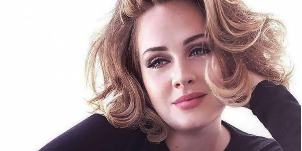 Adele se retrata durante una cena con amigos y usuarios la comparan con Khloé Kardashian
