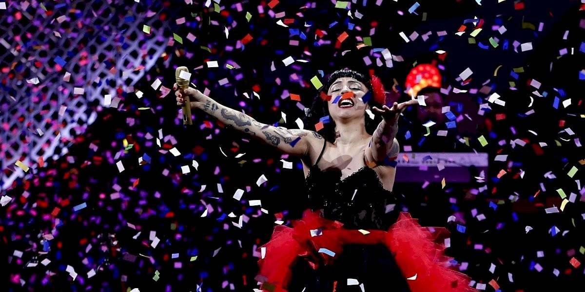 ¡Histórico!. Mon Laferte recibe su tercer Grammy Latino