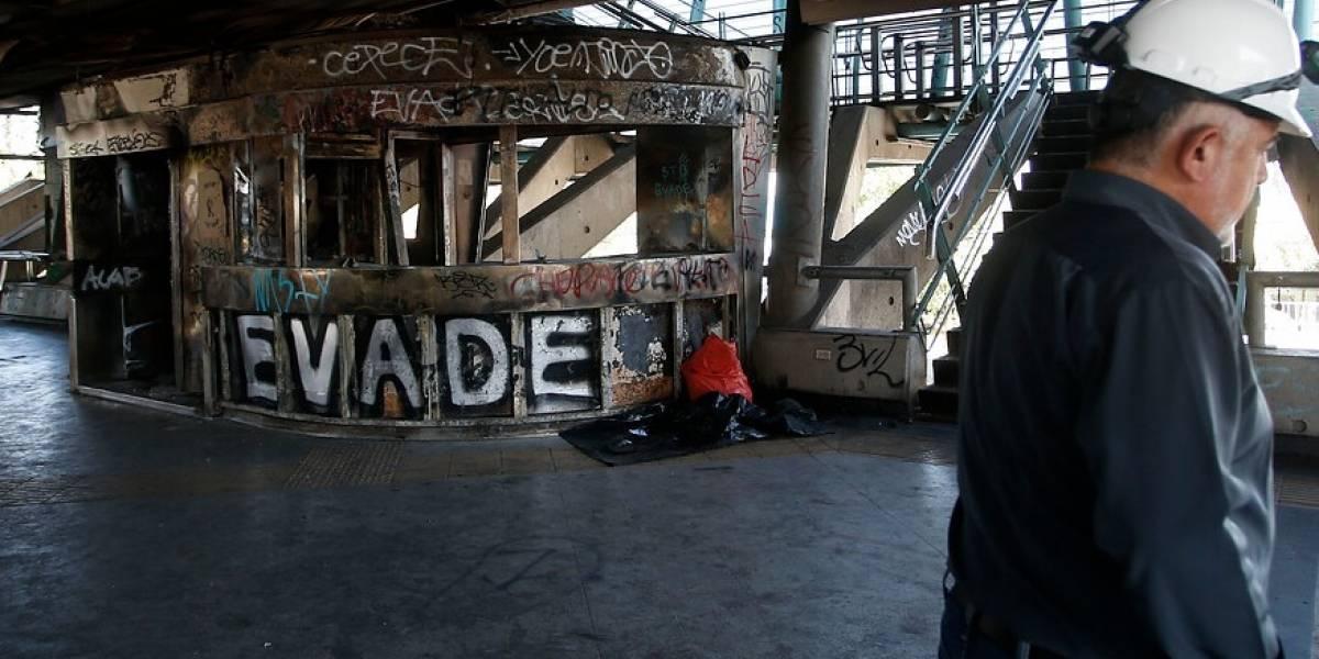 PDI detuvo a quinto implicado por daños a la estación El Sol del Metro