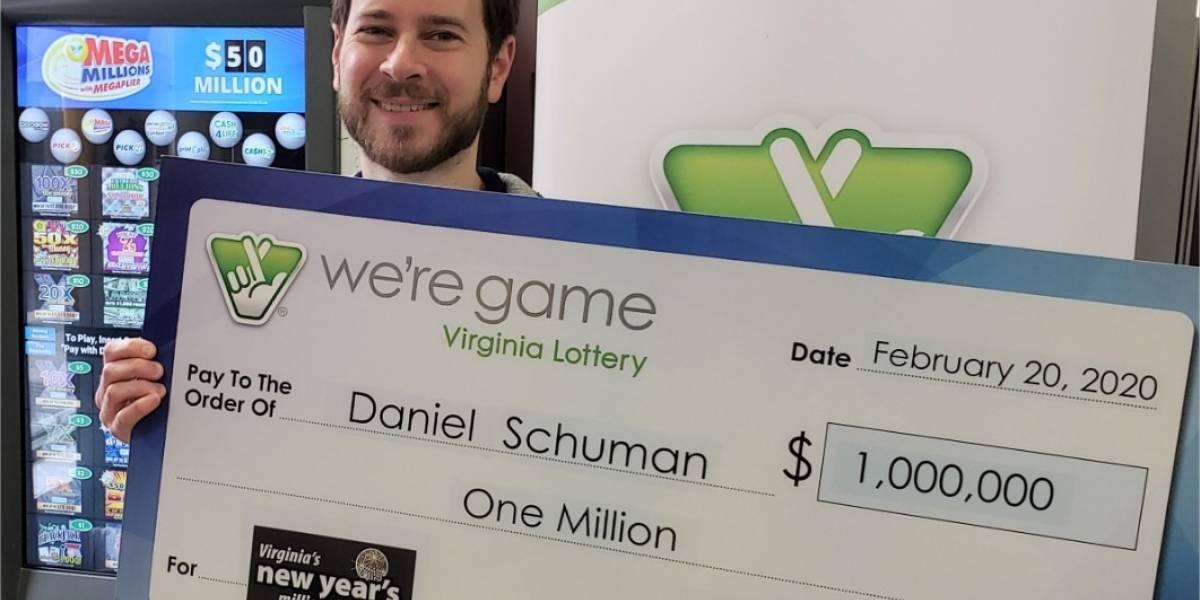 Un hombre que nunca juega a la lotería recibe un boleto como regalo y gana un millón de dólares