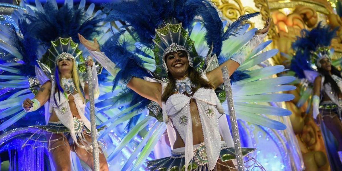 EN IMÁGENES: Así fue el colorido carnaval de Rio de Janeiro,marcado por la sátirapolítica