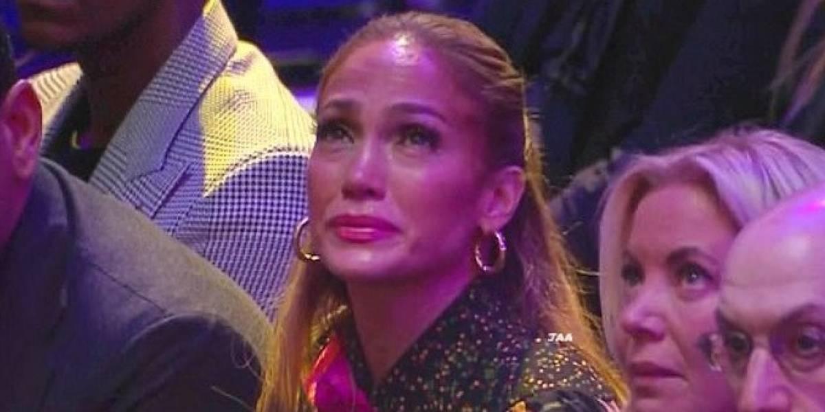 Jennifer Lopez rompe a llorar en el Staples Center y con su manicura rinde homenaje a Kobe Bryant