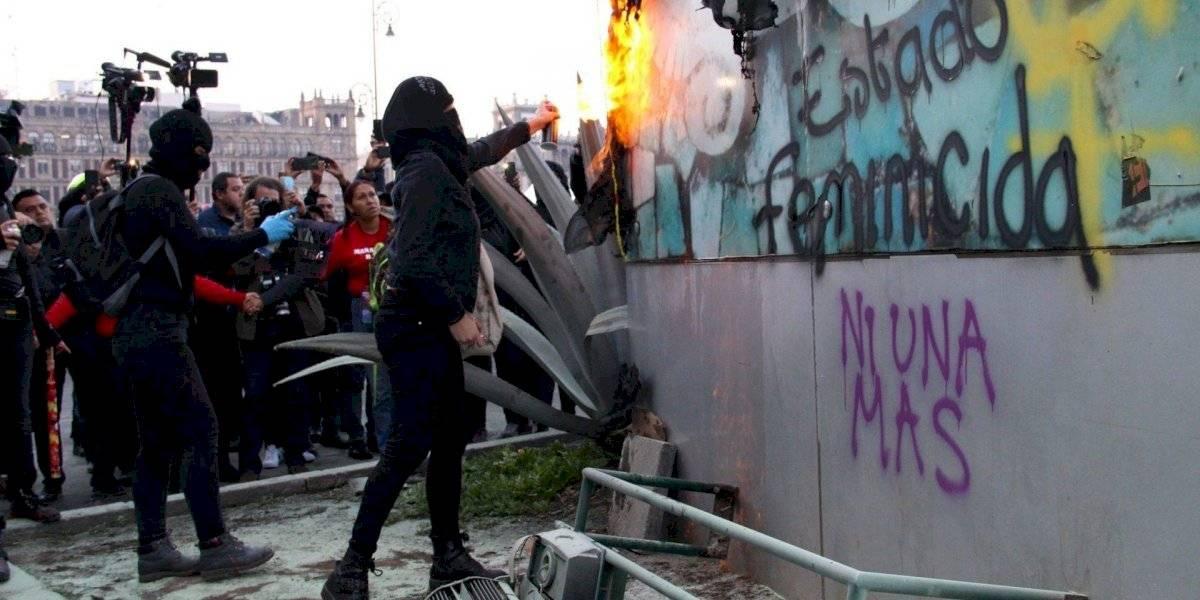 Pide López Obrador a opositores no disfrazarse de feministas