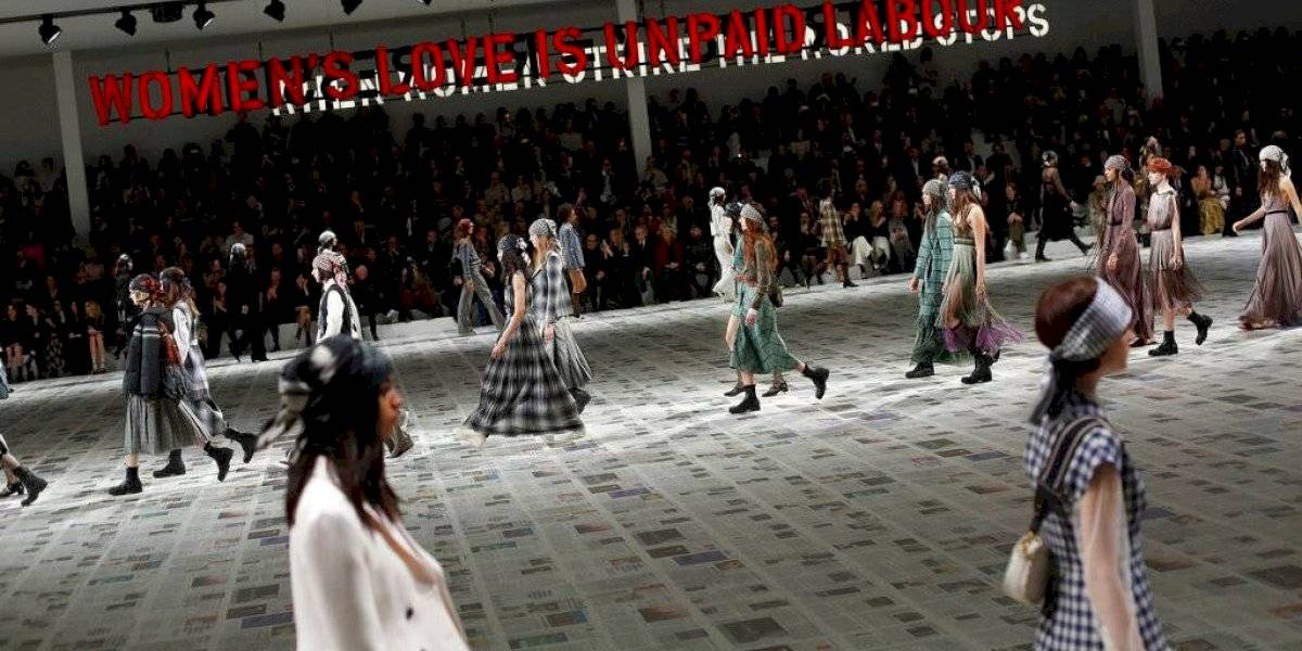 Dior invoca al #MeToo en pasarela con inspiración feminista