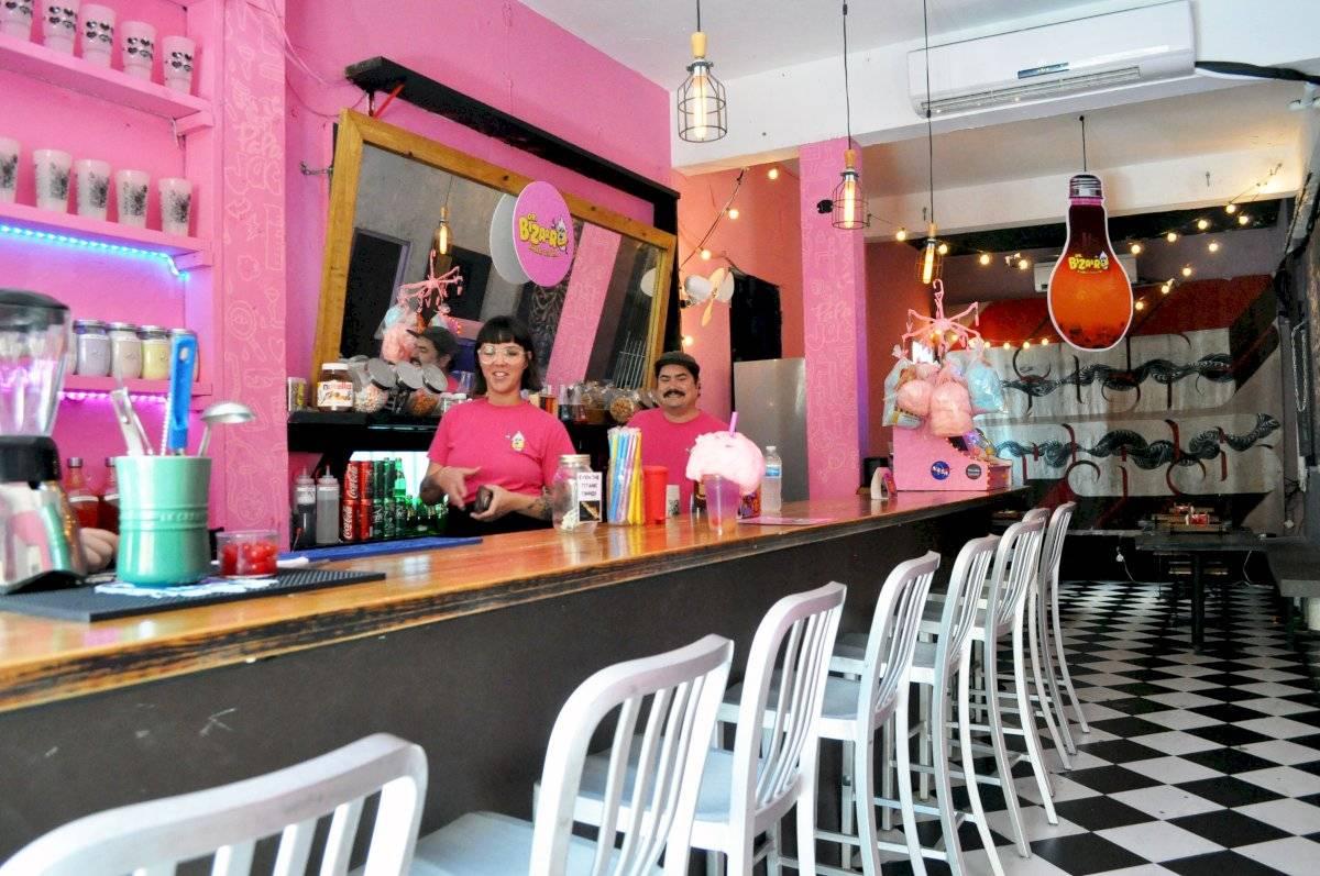 Cuando el huracán María destrozo cinco años de arduo trabajo en la tienda de comics, ubicada en el casco urbano de Río Piedras, la pareja de propietarios Luis Parés y Jasmín Ledee buscaron un nuevo comienzo. Deborah Correa