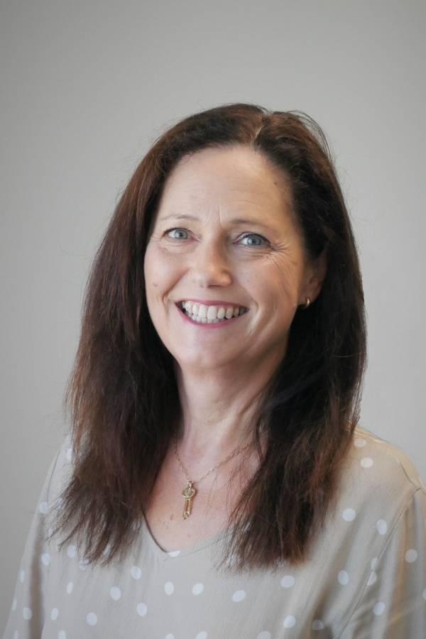 Philippa Smith profesor titular de redes sociales, Universidad Tecnológica de Auckland, Nueva Zelanda
