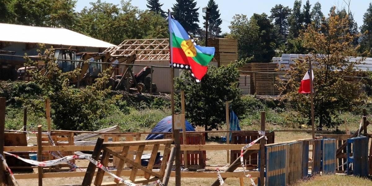 Desalojo termina en enfrentamiento entre carabineros y manifestantes en Temuco