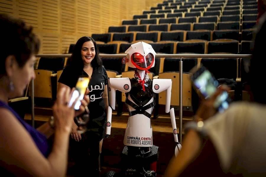 """Activistas piden en Buenos Aires la prohibición de los """"robots asesinos"""""""