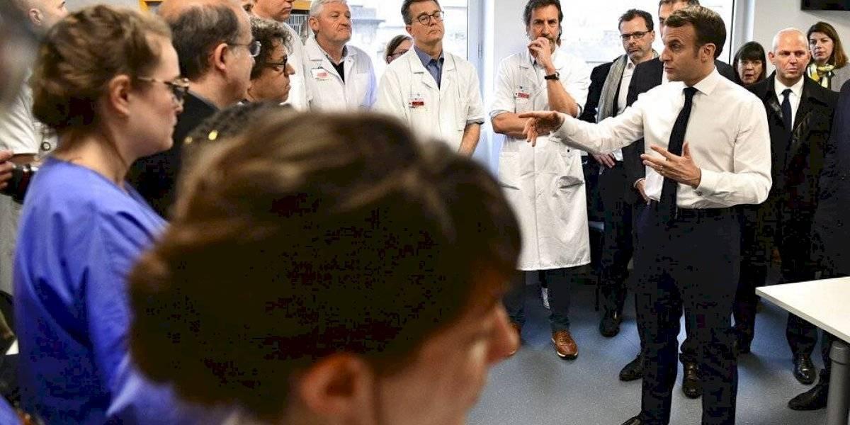Francia prohíbe grandes reuniones públicas por nuevo virus