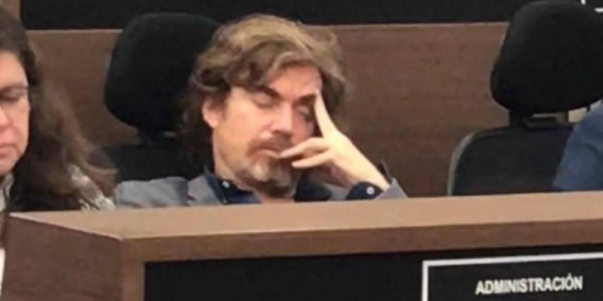 Secretario de Cultura de Bogotá se durmió en pleno debate en el Concejo