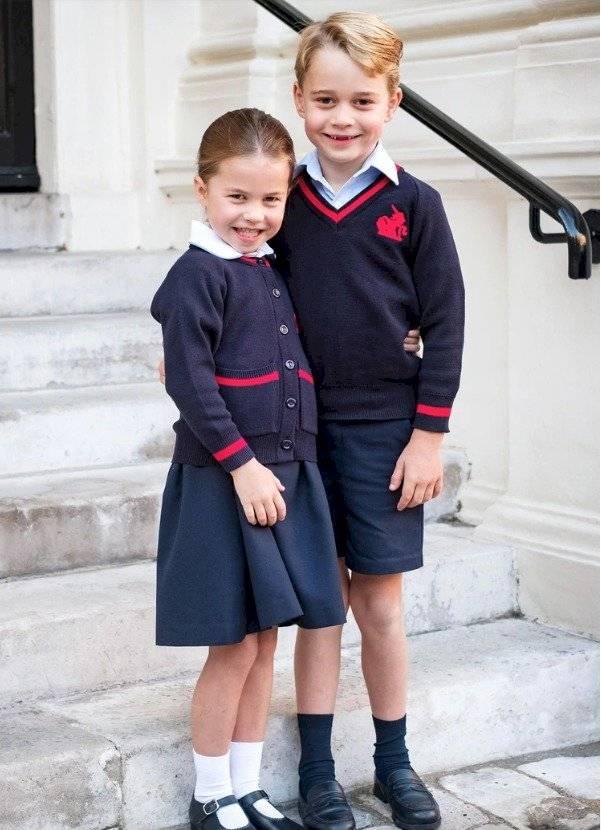 El príncipe George y la princesa Charlotte de Cambridge