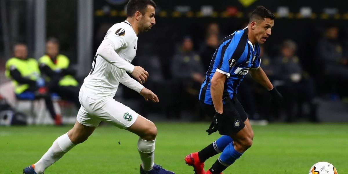 Alexis confirma su química con Lukaku y se manda tremenda asistencia para clasificar en la Europa League