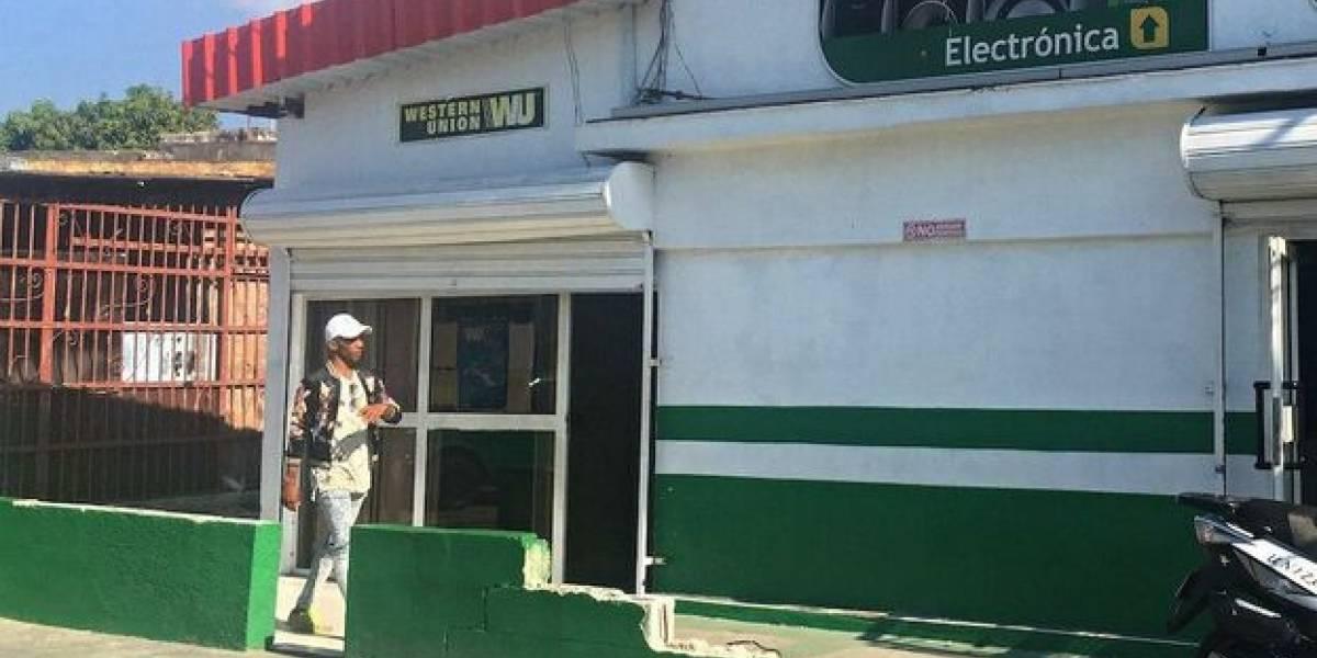 Western Union suspende envíos de remesas a Cuba desde fuera de los Estados Unidos