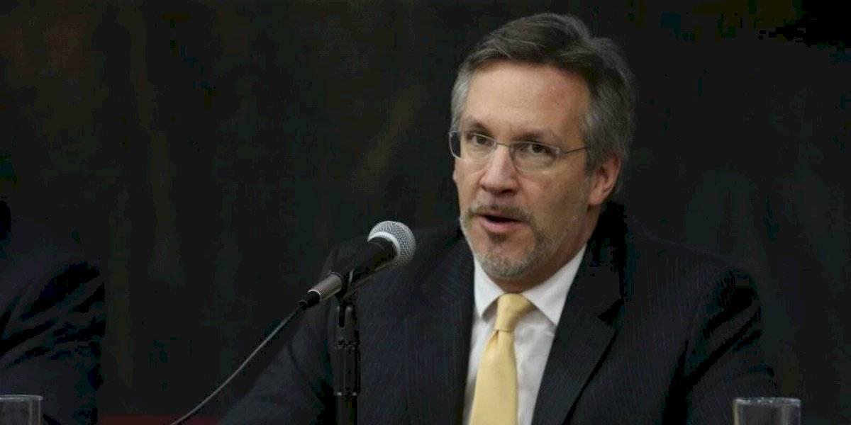 """#PolíticaConfidencial John Ackerman llega al Comité Técnico """"haiga sido como haiga sido"""""""