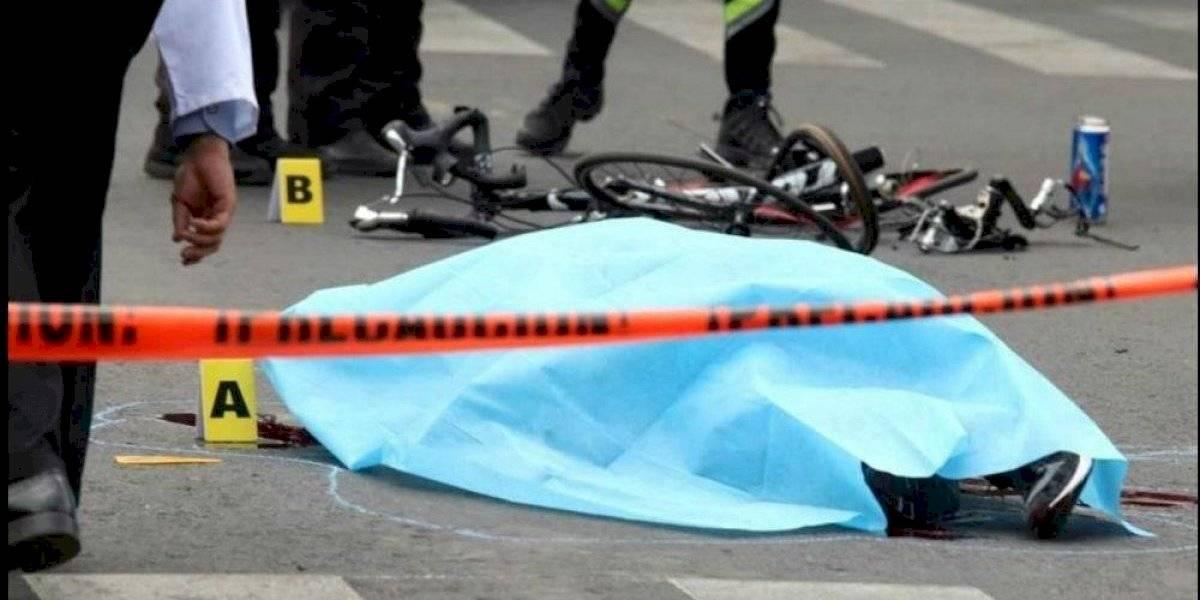 Ciclista sí murió atropellado por camión de la Sedena: FGJ
