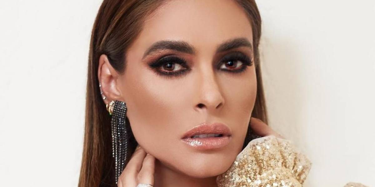 ¡Qué vergüenza! Galilea Montijo intenta bailar Pole Dance y fracasa en el intento