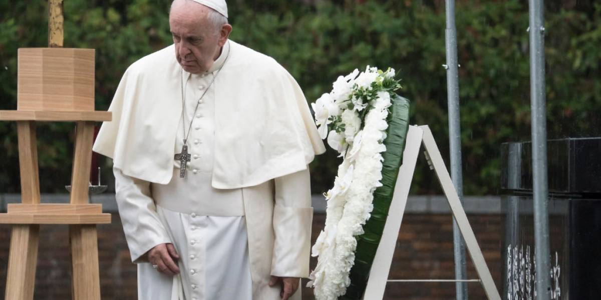 Em ligação para bispo de Aparecida, papa pede 'fé e coragem' ao Brasil