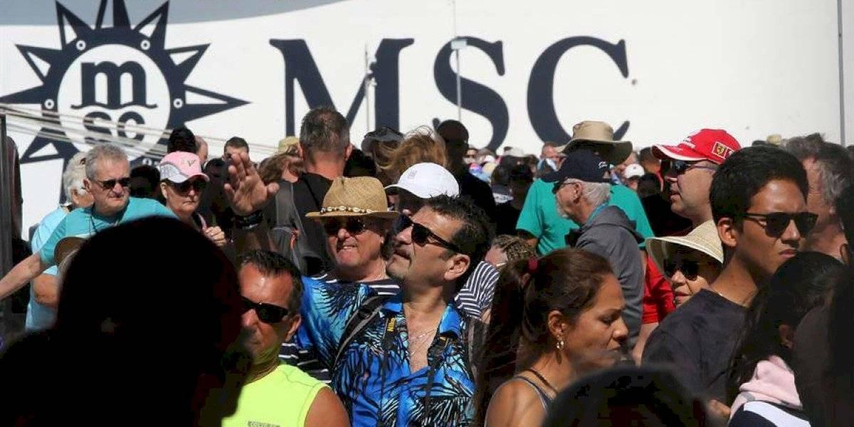 Pasajeros de crucero pasean por Cozumel tras varios días de encierro