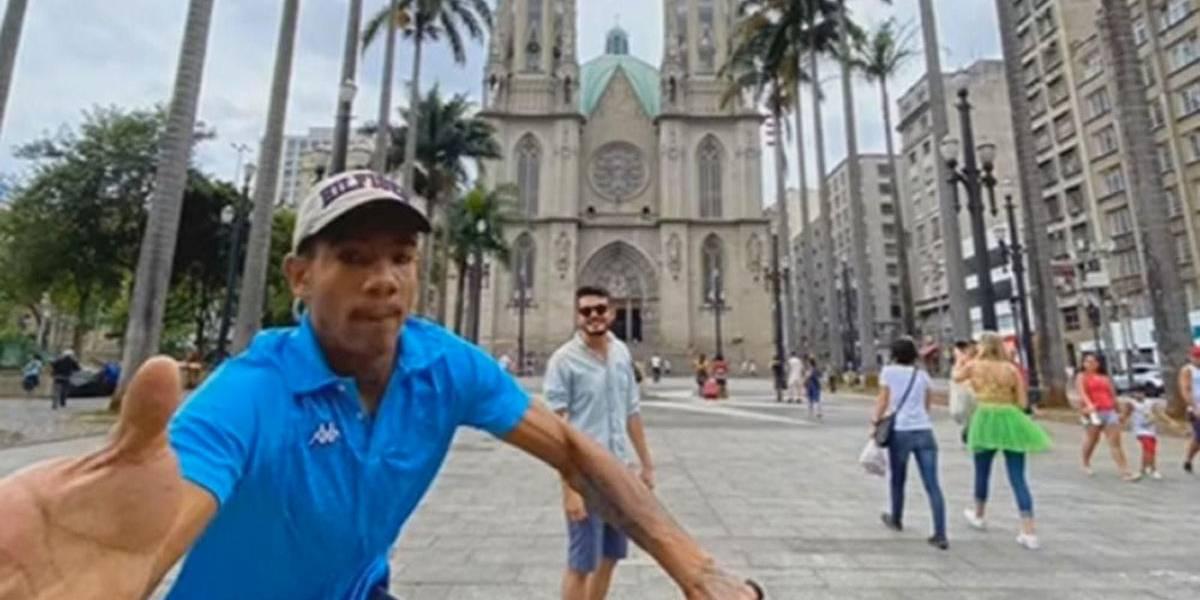 Turista fotografa tentativa de roubo do próprio celular em SP