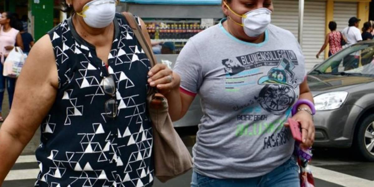 Coronavirus en Ecuador: caja de 20 mascarillas las venden en USD 60 en Guayaquil, denuncian ciudadanos