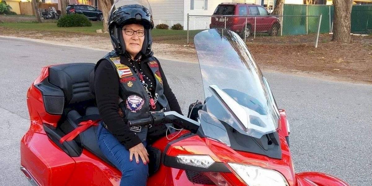 Dama boricua lidera club de motociclistas en San Agustín