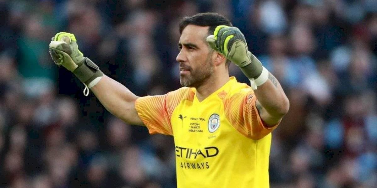 Bravo fue el salvador del Manchester City en la final de la Carabao Cup y se consagró nuevamente campeón