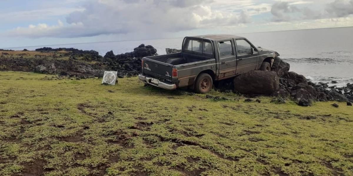 Turista choca un moái con su camioneta en Rapa Nui