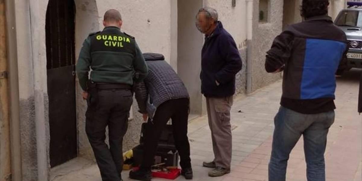 España: Mujer de 96 años queda atrapada tras embargo judicial a casa vecina