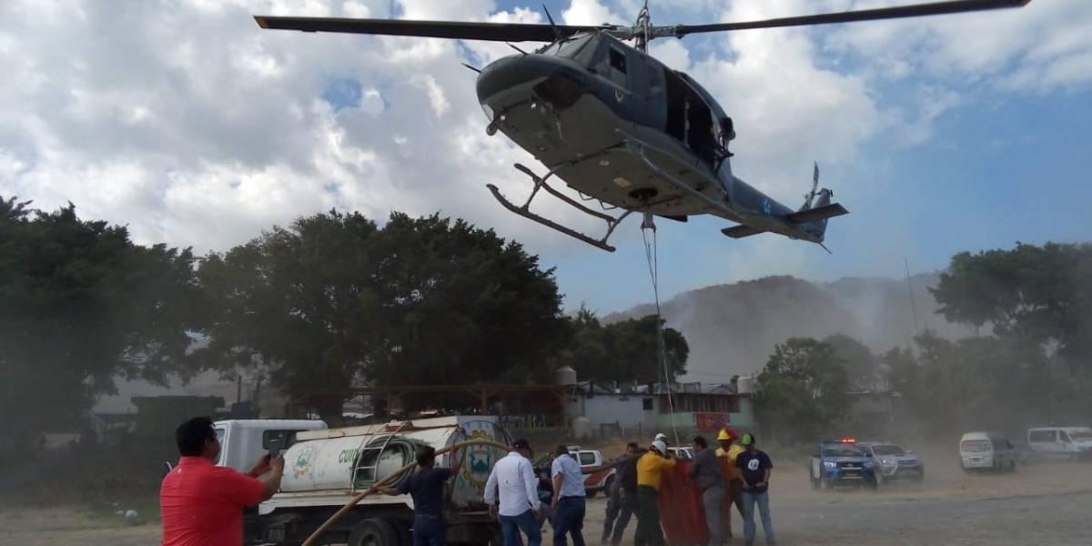 Entidades trabajan por sofocar incendio en Panajachel