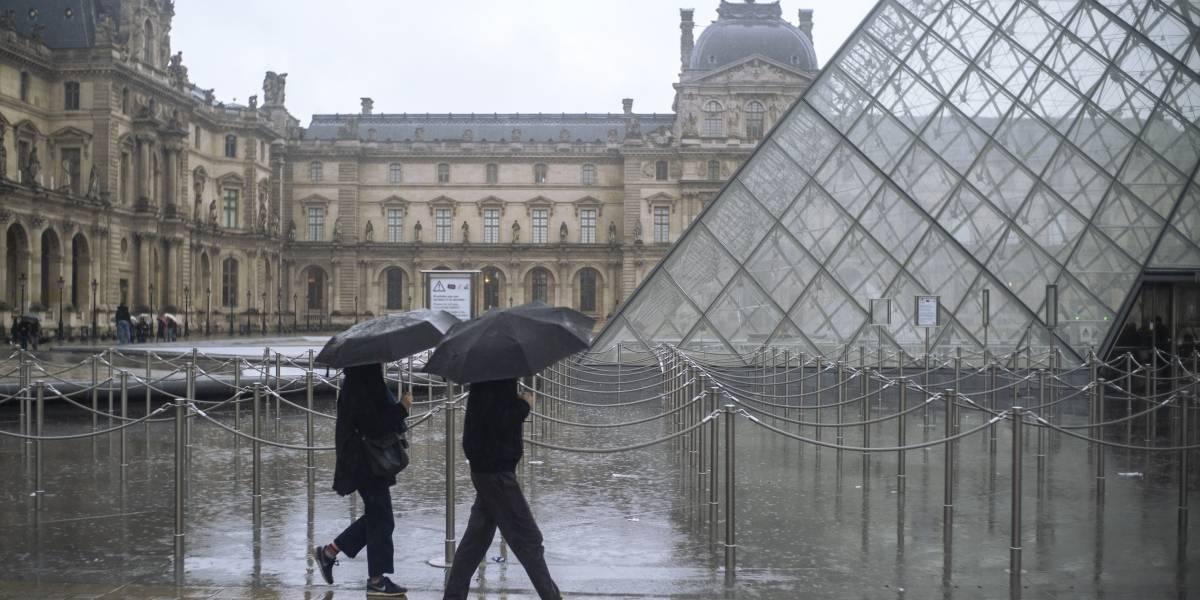Museo del Louvre cierra sus puertas debido al coronavirus