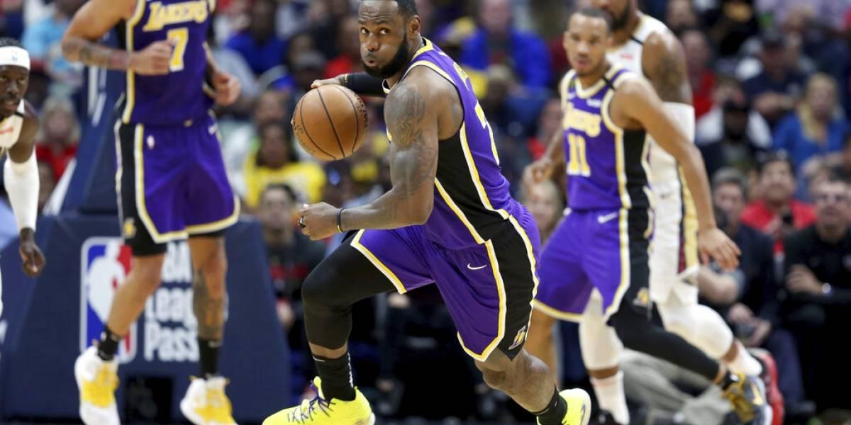 LeBron James se luce con triple doble ante el novato Zion y los Pelicans