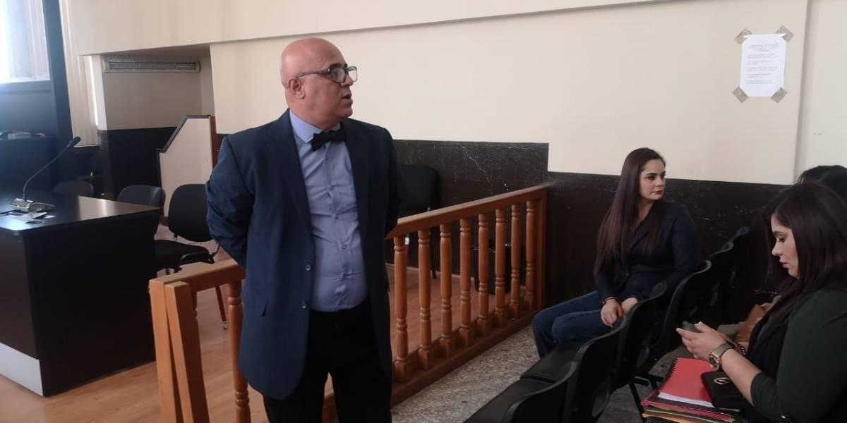 Exministro de Salud y su hija son ligados a proceso y enviados a prisión preventiva