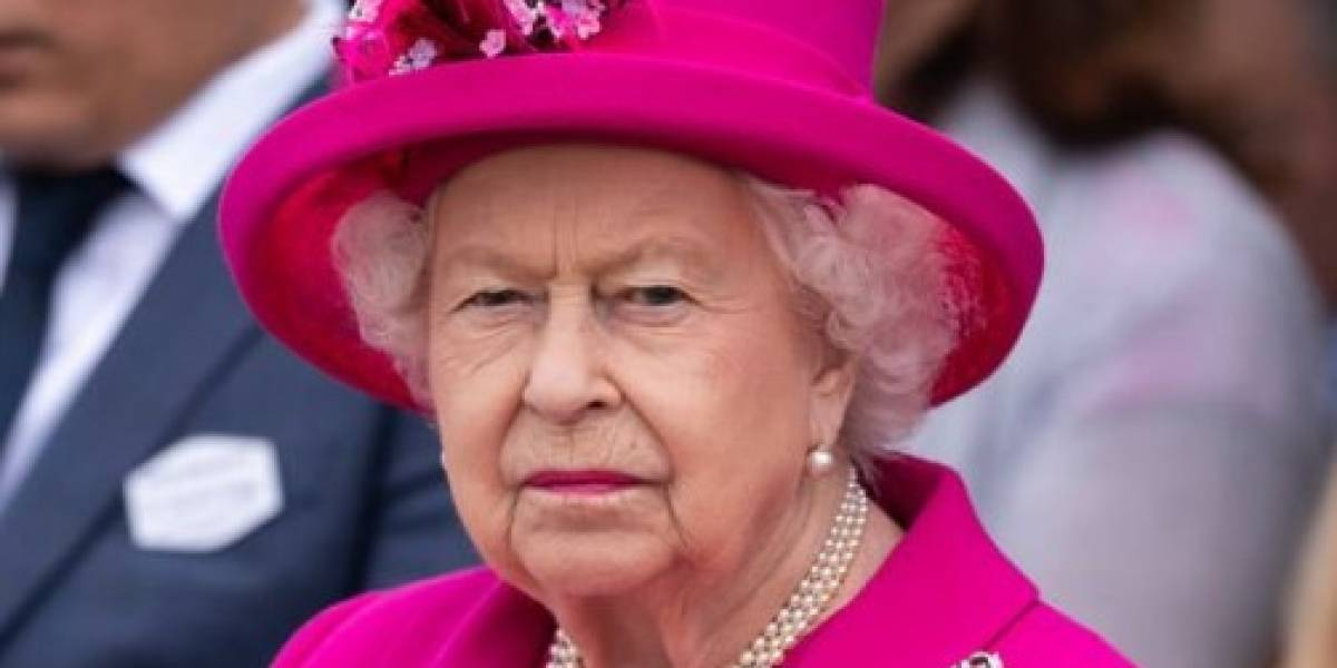 Asistente de la reina Isabel da positivo a prueba de Covid-19