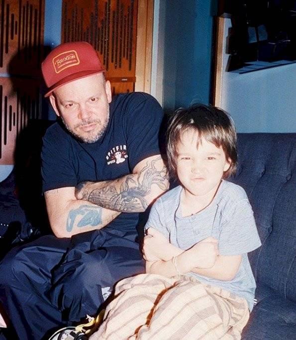 René junto a su hijo Milo