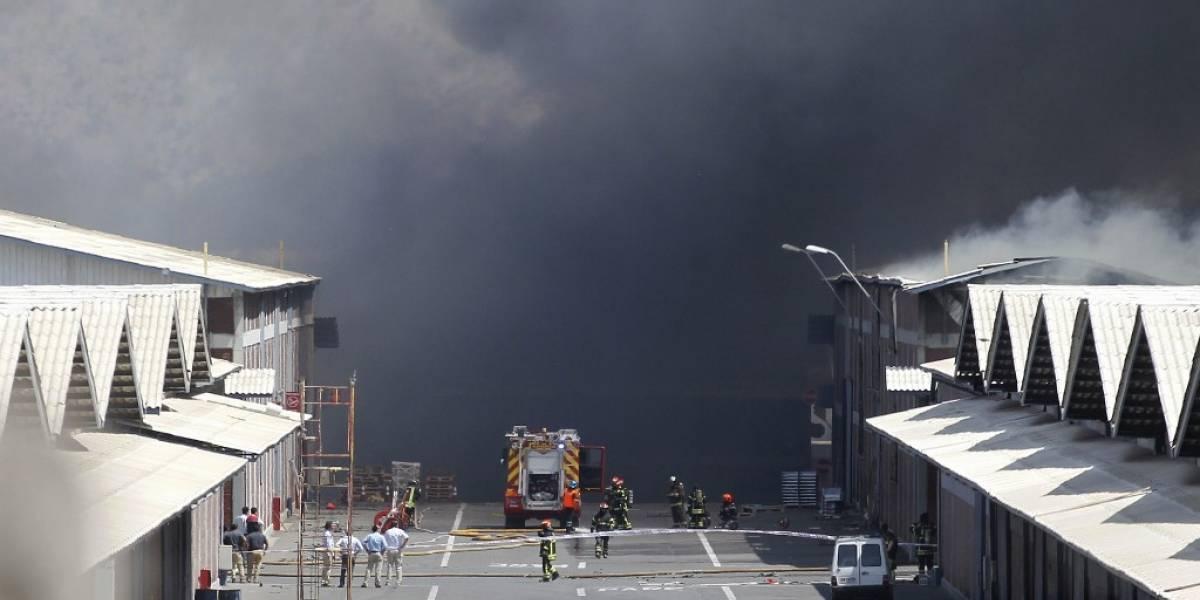 VIDEOS. Impactante explosión en complejo de bodegas en Chile; hay cuatro muertos