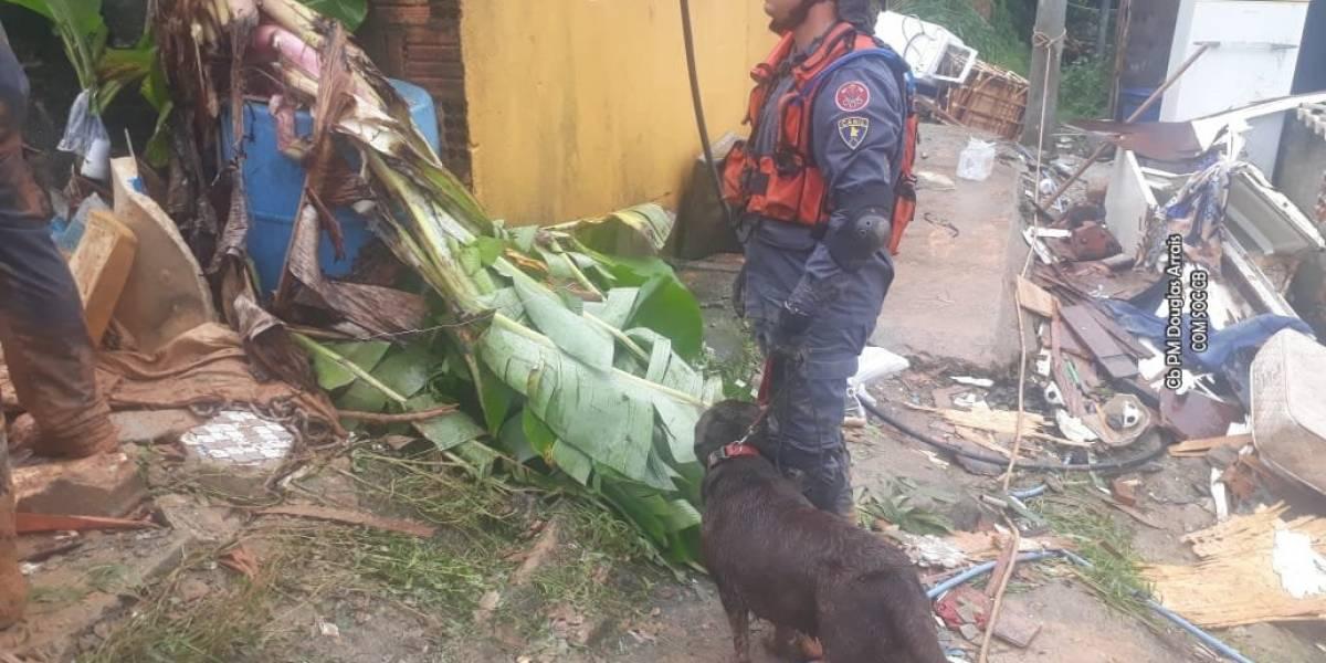 Casal de idosos que tentava sair de casa está entre vítimas de deslizamento na Baixada