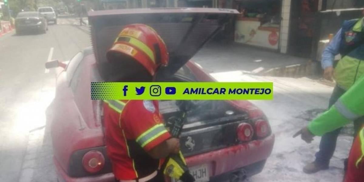VIDEO. Ferrari se incendia a una cuadra de la avenida Reforma