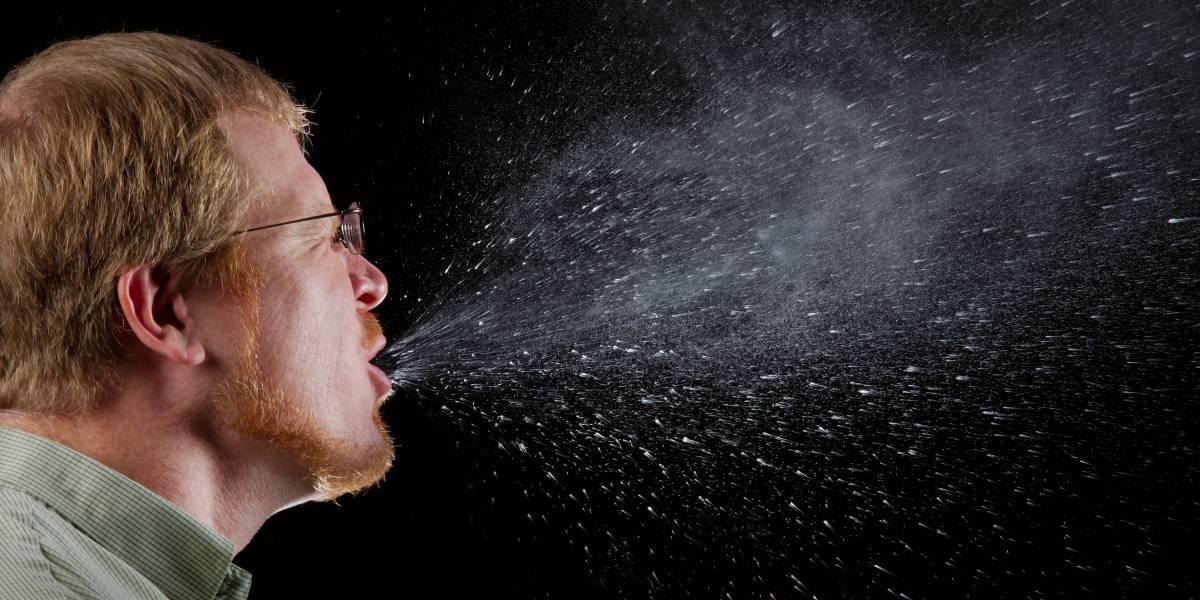 Coronavirus: hablar en voz alta puede mantener el virus en el aire por 14 minutos, revela estudio