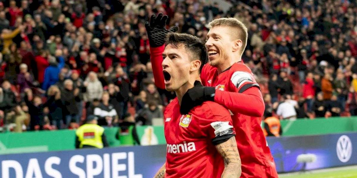 Charles Aránguiz se luce con espectacular cabezazo en el triunfo del Bayer Leverkusen por la Copa de Alemania