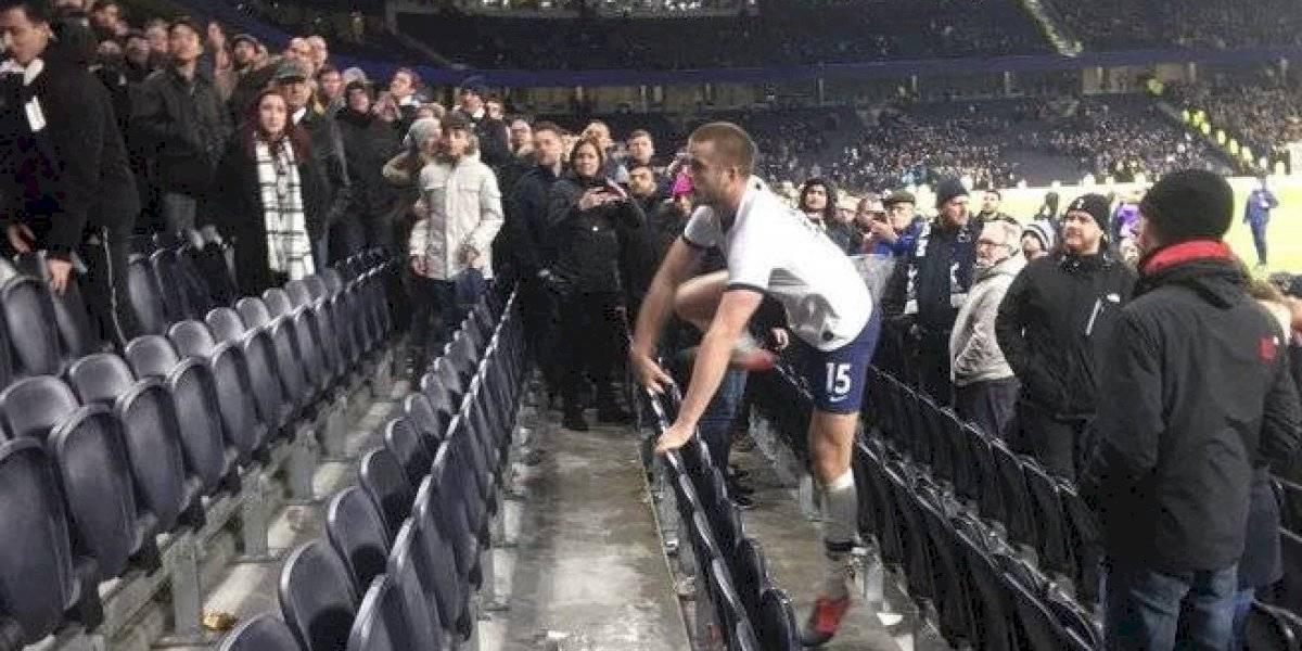 VIDEO. Futbolista del Tottenham salta a la grada para pelearse con aficionado