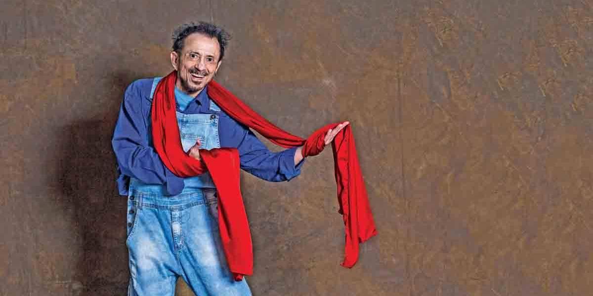Tom Zé faz show gratuito na reabertura do Teatro Arthur Azevedo, em São Paulo