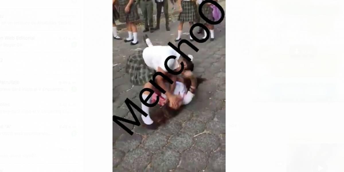 VIDEO. Denuncian brutal golpiza entre alumnas en Amatitlán