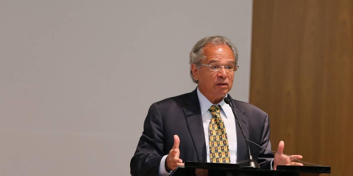 Paulo Guedes irrita parlamentares com 'aula de história' em reunião sobre crise do coronavírus