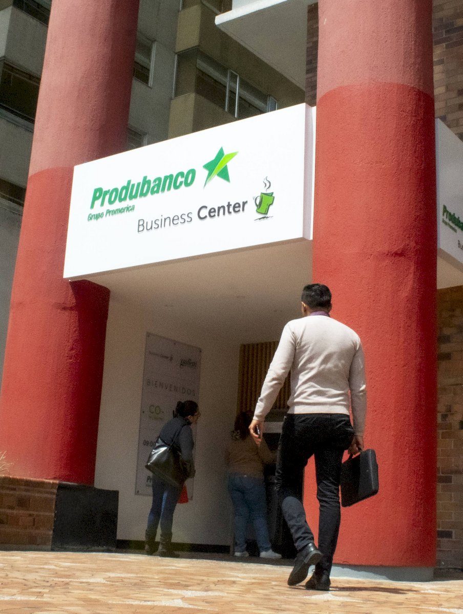 Produbanco Business Center Oscar Ayo