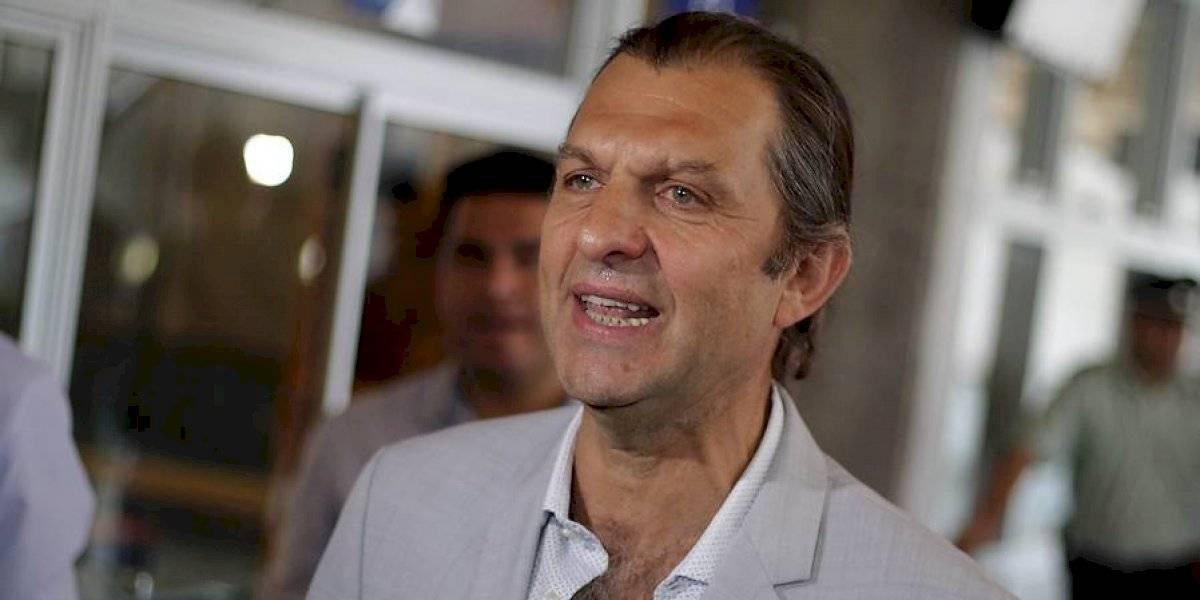 """Aníbal Mosa avisa desde Brasil: """"Esperamos tener una buena reunión y llevarnos a Scolari a Santiago"""""""