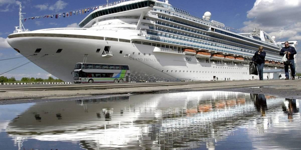 Examinan por coronavirus a pasajeros de crucero varado en California